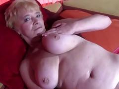 granny in